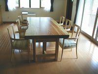 松テーブル+イタリア製の椅子