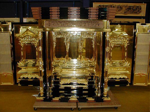 仏壇の洗濯:修復後の仏壇正面