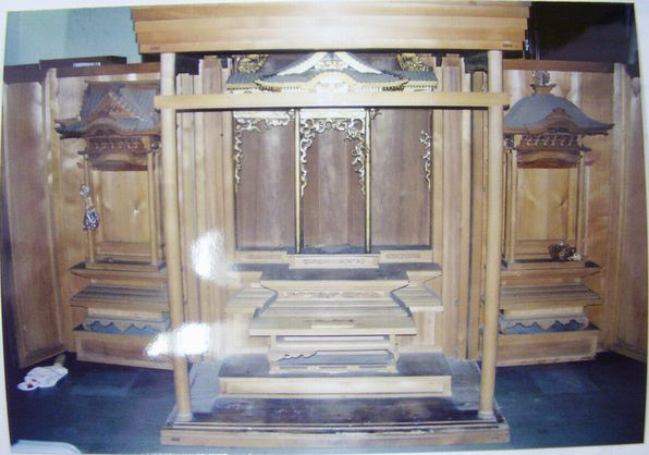 修復前の仏壇